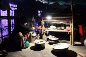 昕诺飞携手孟加拉国组织,为46000户罗兴亚家庭提供太阳能灯具自攻钉